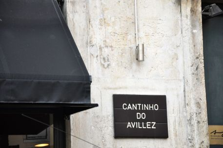 cantinho sign